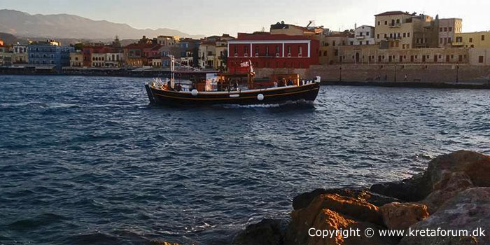 Chania old port - Crete - www.kretaforum.dk