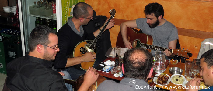 Bouzouki music in Chania